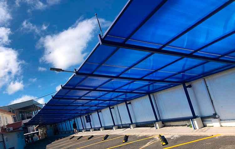 blue-color-polycarbonate-carport